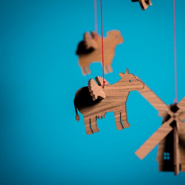 Detailansicht Kuh und Windmühle - Mobile aus Tieren