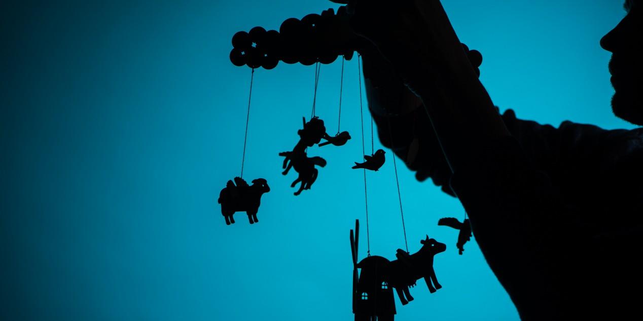 Mobile aus fliegenden Tieren am Bauernhof