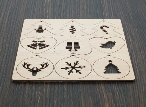 Holz Weihnachtsanhänger mit Motiv lasergeschnitten