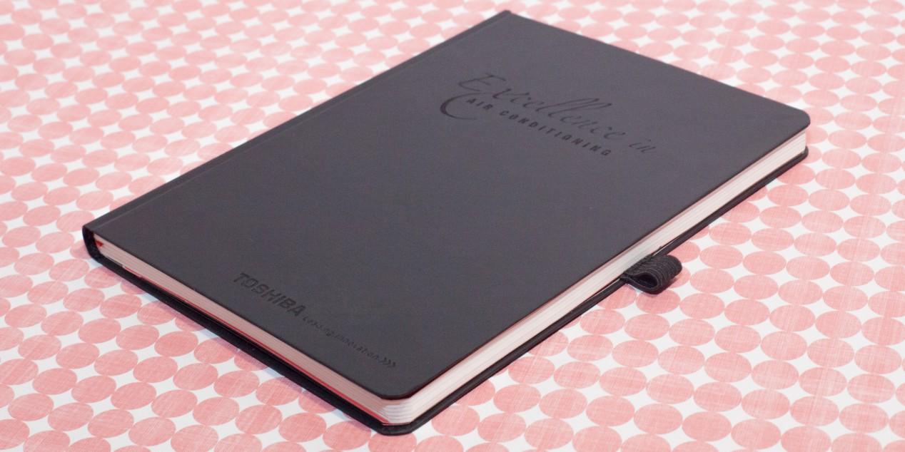 Toshiba Notizbuch mit Lasergravur am Einband